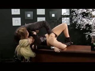 Christy mack прецака в а офис
